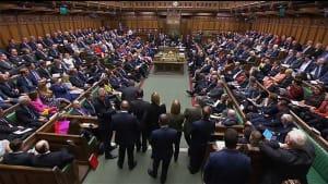 Nordirische DUP kündigt Widerstand gegen Brexit-Abkommen an