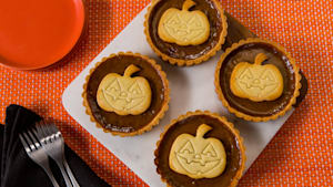 Trick or Treat: Jack-O'-Lantern Tarts