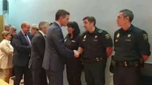 Sánchez dankt Polizisten und wird ausgebuht