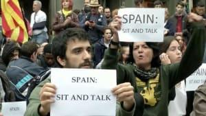 Sitzstreik im Katalonien-Konflikt: Demonstranten verlangen Gespräche