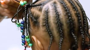 Non-profit gives textured hair tips to parents