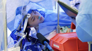Brain surgery filmed while the patient is awake