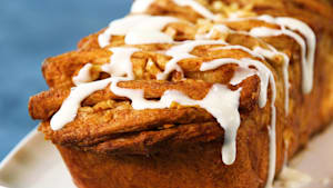 How to make cinnamon apple pull-apart bread