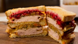 Thanksgiving Favorites: leftover turkey sandwich à la Ross from Friends