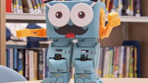 Adorable robot helps teach the basics of coding
