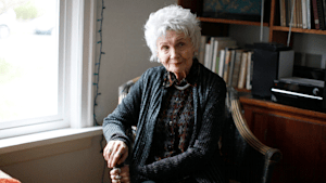 Canadian author Alice Munro subject of Twitter death hoax