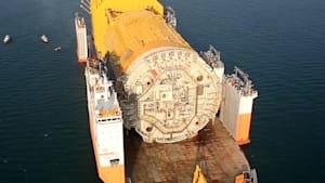 This heavy transport vessel can carry 46K-tons