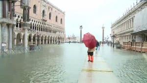 Italien: Venedig von einem Rekord-Hochwasser heimgesucht