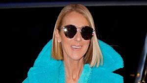 Kuscheliges Winteroutfit: Céline Dion präsentiert sich in einem Traum aus Türkis