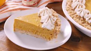 This no bake pumpkin pie couldn't be easier