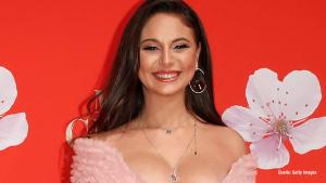Ex-GNTM-Kandidatin Carina: Nippelblitzer beim Barbara Tag