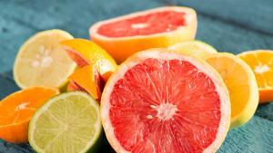 Von wegen gesund: So viel Gift steckt in dieser bleiebten Zitrusfrucht!