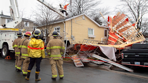 Maritime Storm Leaves Thousands Without Power