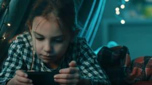 Mediziner warnen eindringlich: Smartphones machen Kinder krank
