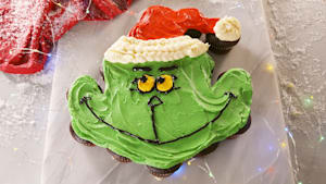 Grinchy Pull-Apart Cupcakes