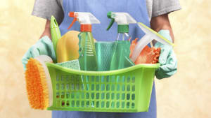 6 of the best kitchen cupboard cleaning hacks