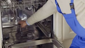 This is How to Naturally Clean Your Dishwasher