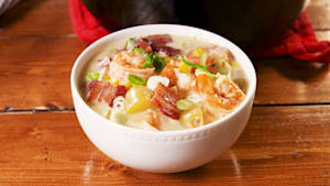 Shrimp and bacon corn chowder