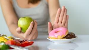 Mit diesen Tipps überwindet man schlechte Essgewohnheiten