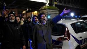 30 Demonstranten stören Macron und seine Frau beim Theaterbesuch