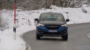 Der neue Opel Grandland X Hybrid4 in Kürtze