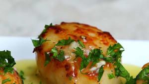 Lemon butter scallops