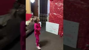 Soldier surprises daughter by coming home early