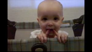 Watch this funny baby try everything to avoid nap time