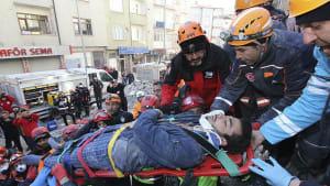 Suche nach Überlebenden des Erdbebens geht weiter
