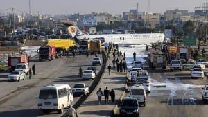 Mahschahr: Bruchlandung mit 144 Insassen im Wohngebiet