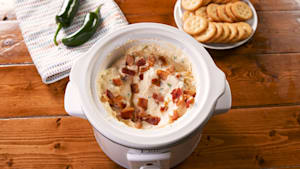Slow cooker jalapeño popper dip