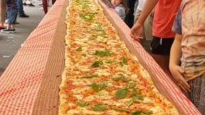 Australian chefs make massive 850-lb pizza