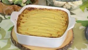 Plant-based recipes: Cauliflower leek bake