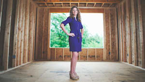 Single mom learns to build house from YouTube