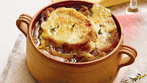 How to make slow cooker French onion soup