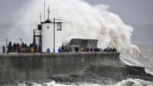 """Der nächste Sturm im Anmarsch: Briten fürchten """"Dennis"""""""