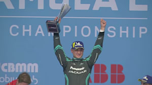 New Zealander Evans races to win at chaotic Mexico ePrix