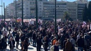 Athen: 10.000 Menschen streiken für höhere Renten