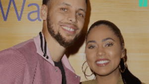 Steph And Ayesha Curry Sing 'O Canada'
