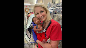 Man, newborn treated by same nurse 30 years apart