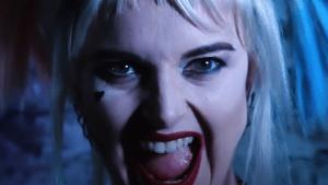 Makeup artist transforms herself into Harley Quinn