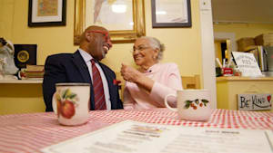 103-year-old still helps run pie shop she opened