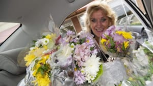 Meet the woman sharing love 1 bouquet at a time