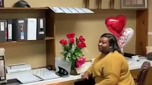 Man surprises wife with song on Valentine's Day