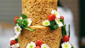 Noodle cakes are three-tiers high