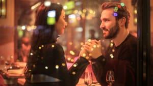 Eine neue Studie deckt 5 Dinge auf, die dafür sorgen, dass wir uns geliebt fühlen