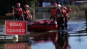 Hochwasser in Großbritannien - Weiterer Sturm erwartet