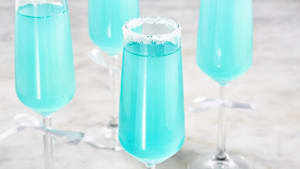 Sweet and tart Tiffany mimosas are pretty in blue