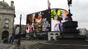 """""""Straßen und Busse sind leer"""" - Junge Spanierin berichtet aus London"""
