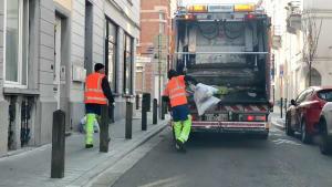 Dienst trotz Krise: die Müllabfuhr - doch manche haben angst